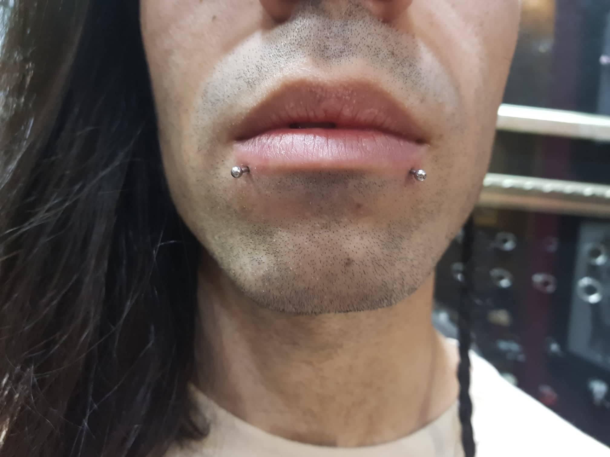 facial piercing
